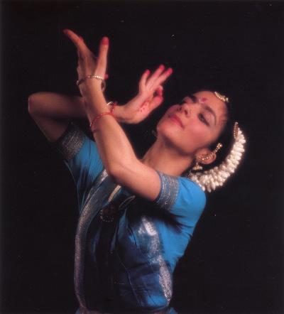 Photo : Lucia Anjali, danseuse et professeur de Bharata Natyam